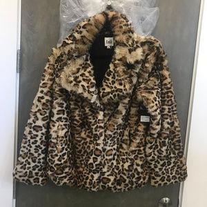 NWT Leapord Soft Faux Fur Jacket sz M